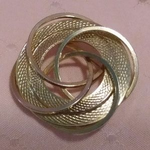 Jewelry - Vintage Gold tone Woven Circles Brooch Pin